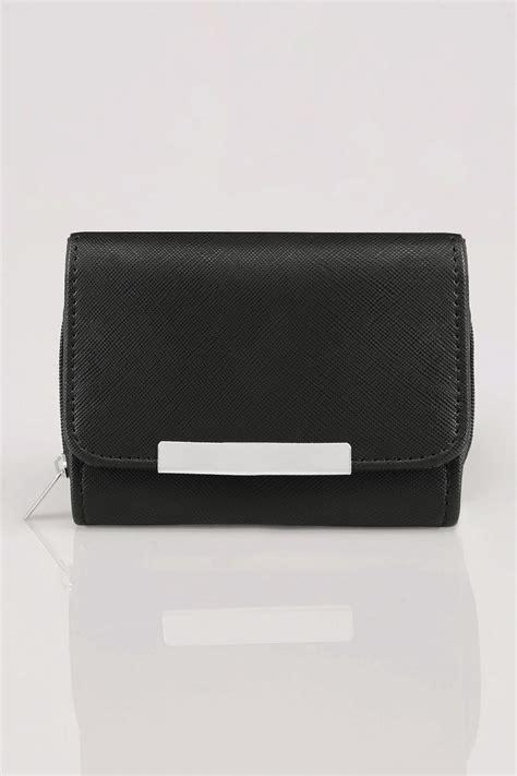 On The Border Gift Card Balance - black zip around purse with metal bar trim