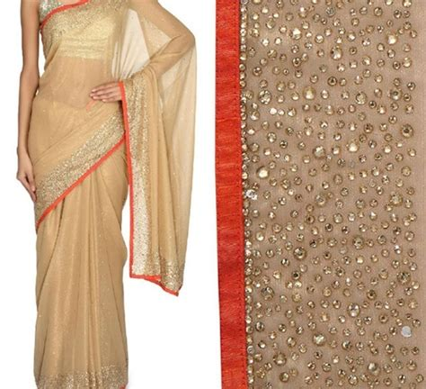 how to design a plain saree at home