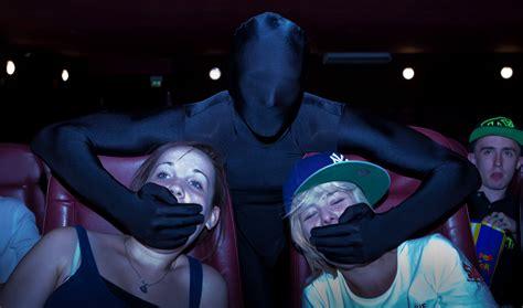 film o ninja omfg volunteer quot ninjas quot catch rude theatergoers and