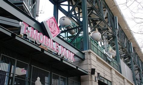 photo gallery mobile park sign installed