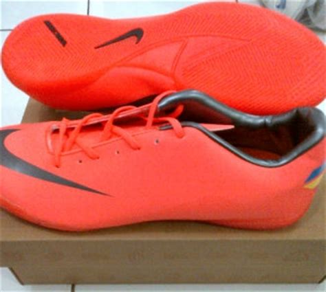 Sepatu Bola Nike T90 Laser chelsea sport uthe sepatu futsal nike mercurial adidas replica 2012
