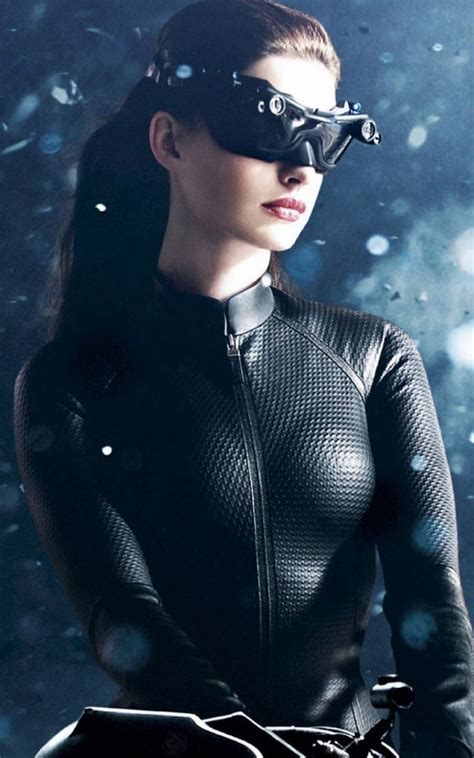 catwoman iphone wallpaper anne hathaway catwoman android wallpaper iphone