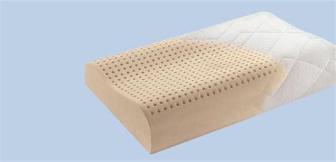 cuscino per la cervicale cuscino cervicale scegli il pi 249 adatto a te guida gratis