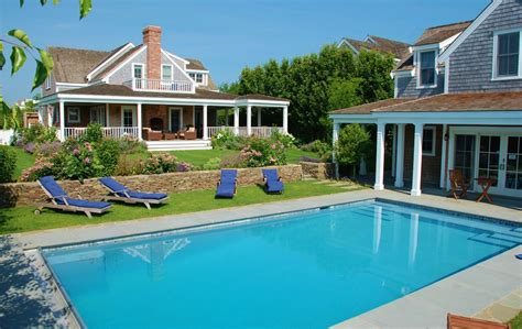 pool guest house luxury 8br 7ba home pool guest house homeaway nantucket town
