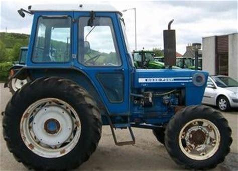county   tractor construction plant wiki fandom powered  wikia