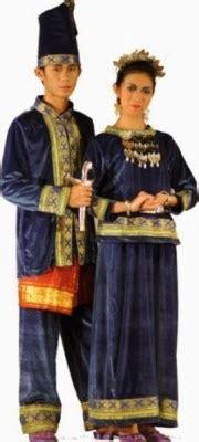 Nama Baju Daerah Sulawesi gambar dan daftar nama lengkap pakaian adat daerah indonesia image and list name apparel