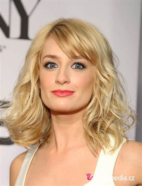 Beth Hairstyle by Beth Behrs Hairstyle Easyhairstyler I Feel Pretty