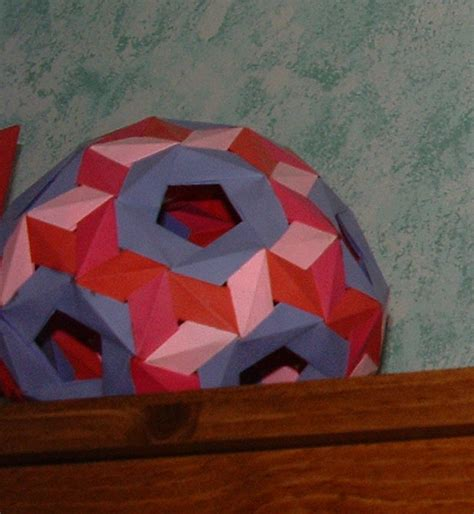 Paper Snub Dodecahedron - a snubdodecahedron