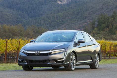 honda clarity review ratings specs prices    car connection