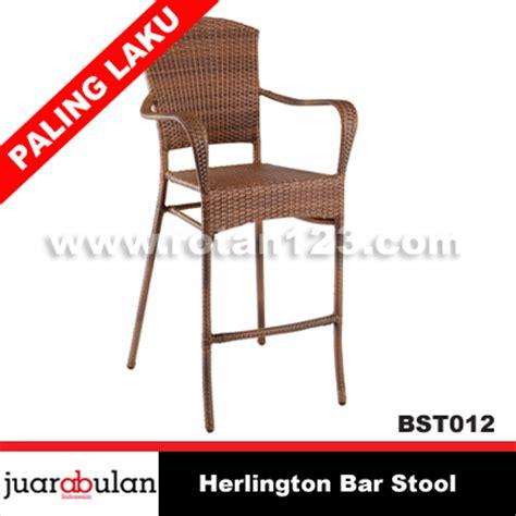 Harga Kursi Bar Stool harga jual herlington bar stool kursi bar rotan sintetis