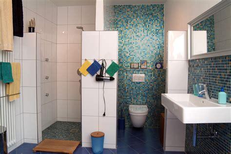 mosaikfliesen verlegen mosaikfliesen verlegen im badezimmer