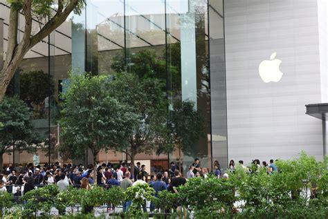 Apple Jakarta apple store singapore turns into wedding photo location lifestyle the jakarta post