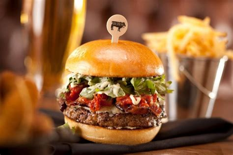 Guy Fieri Backyard Las Vegas Hamburger Restaurants 10best Burger Restaurant