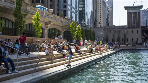a guide to getting around chicago riverwalk a guide to getting around