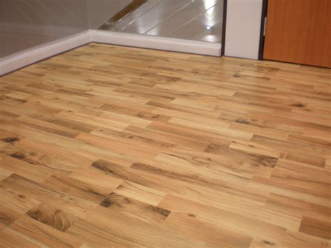 Laminate Flooring Vs Carpet Ing Carpet Laminate Flooring Carpet Vidalondon