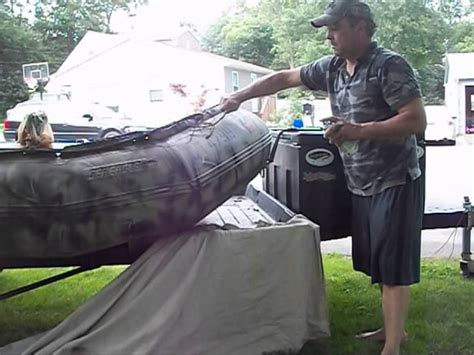 zodiac boat jobs painting my seaeagle inflatable boat camouflage youtube