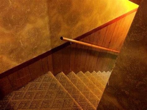 installer une courante dans un escalier maisonapart