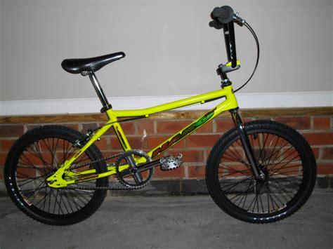 Hoops H 2002 Black List Yellow 1994 haro 1 bmxmuseum