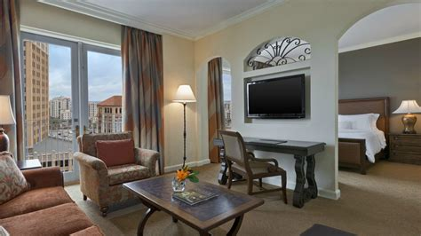2 bedroom suites in san antonio riverwalk emejing san antonio riverwalk hotels 2 bedroom suites