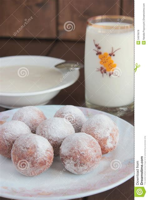 Is There Sugar In Cottage Cheese by Cottage Cheese Donuts With Powdered Sugar Milk And Yogurt