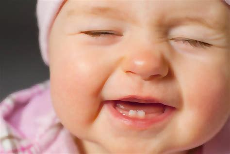 baby teething when do babies start teething and how do you