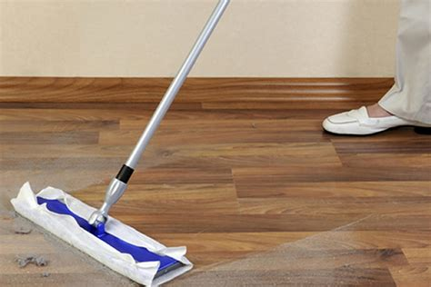 major differences between engineered and laminate flooring