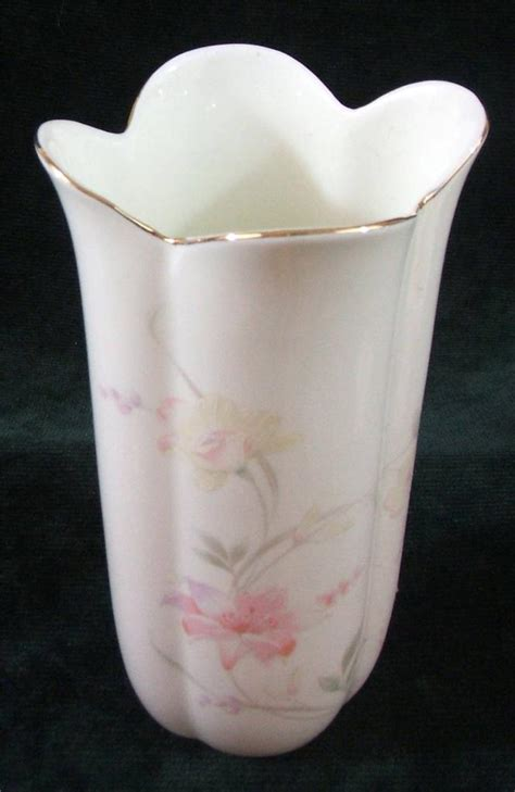 China Japan Vase by Floral Decorated Gold Vase China Japan Ebay