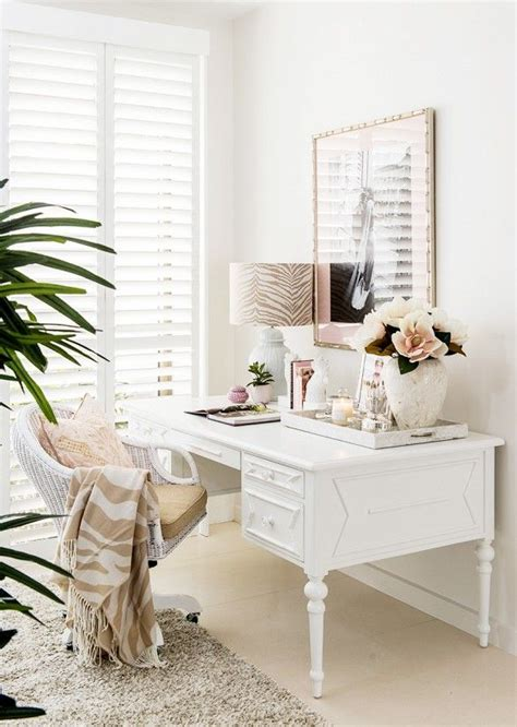 Feminine Home Decor by 25 Best Ideas About Feminine Office Decor On Feminine Office Home Office Decor And