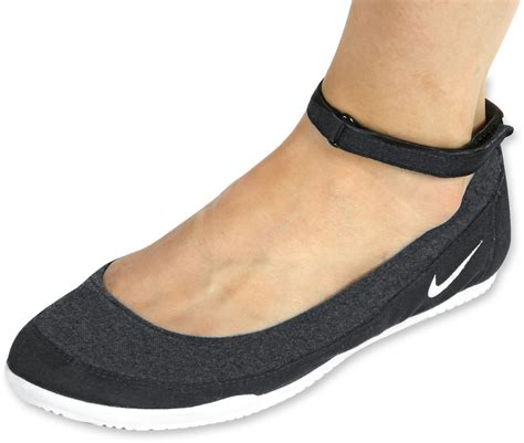 Nike Slipon Balet nike tenkay slip textile w shoes black white