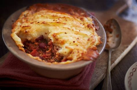 What To Serve Cottage Pie With by Chilli Con Carne Cottage Pie With Mash Tesco Real Food