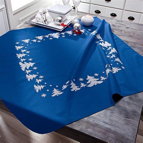 tischdecken läufer tischdecke winterwald blau