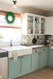 Chalk Painting Kitchen Cabinets 25 Best Ideas About Two Tone Kitchen On Two Tone Cabinets Two Tone Kitchen