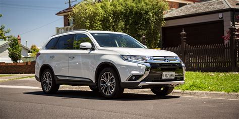 Outlander Auto by New Mitsubishi Outlander In Concord Lovering Mitsubishi