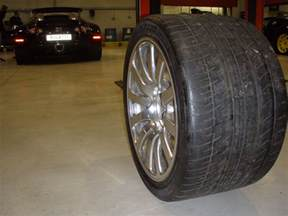 Bugatti Veyron Sport Tires Bugatti Back Tires Pictures To Pin On Pinsdaddy