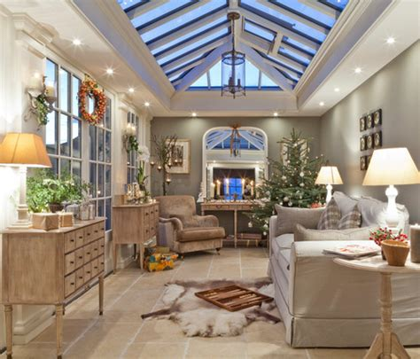 staging tips  holiday decor