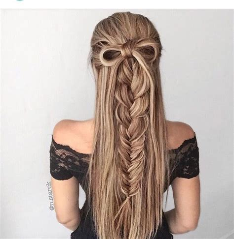 easy hairstyles using plaits a few highlights add volume to this half updo braid with