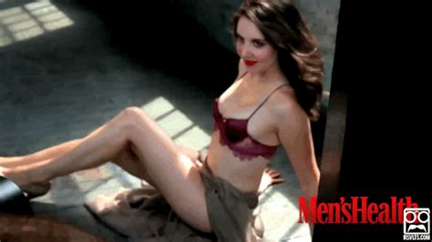 alison brie gifs find on giphy alison brie form gif find on giphy