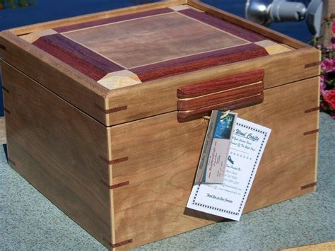 Handmade Memory Boxes - custom made memory keepsake boxes finewoodworking