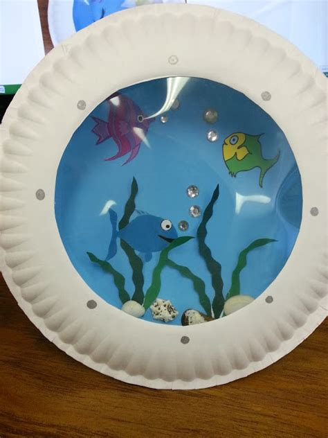 Paper Plate Aquarium Craft - misadventures of a ya librarian porthole fish craft