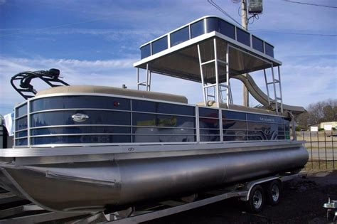 boat hardtop pictures aluminum hardtop for pontoon boats pictures to pin on