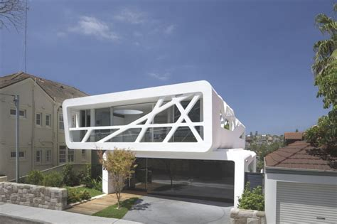 contemporary hewlett house with views across bronte