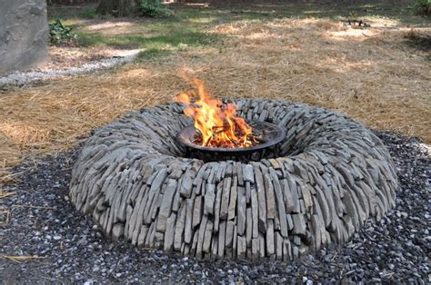feuerstelle aus natursteinen bauen 15 pit ideas to light your garden club