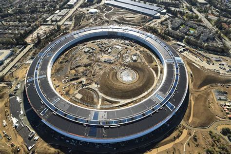 new apple headquarters steve jobs achieved design perfection with apple s new