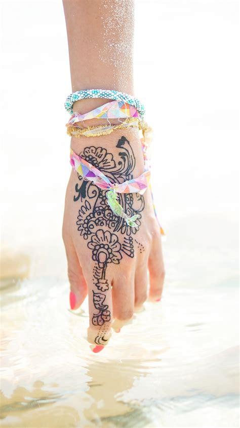 diamond tattoo koh phi phi thailand phi phi islands diana elizabeth