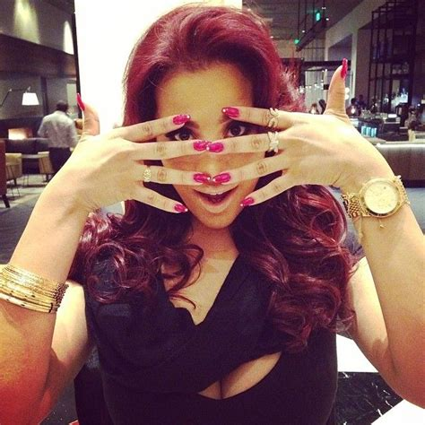 cyn santana burgundy hair cyn santana all about cyn quot aka quot chipotle pinterest