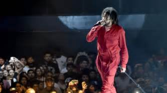 J Cole Songs by J Cole Brings Truth Drama To United Center Chicago Tribune