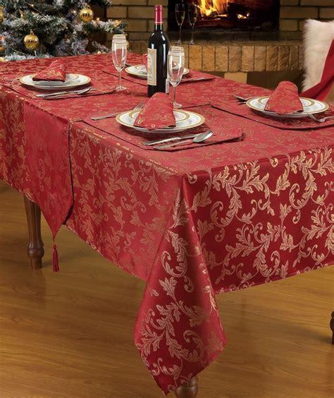 BURGUNDY JACQUARD STYLISH DESIGN CHRISTMAS DINNER PARTY