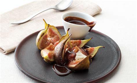 Mid Week Treat Roast Figs With Chocolate Sauce Nourishbooks