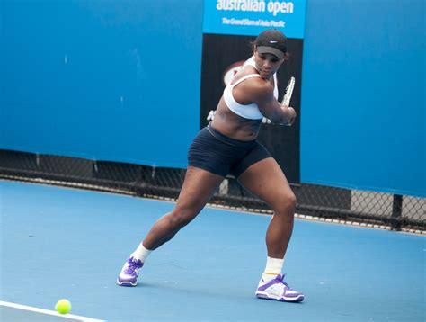 tennis swings serena williams practices her swing zimbio