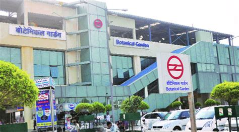Metro Goes Deeper Into Noida Dmrc Inks Pact For Link To Botanical Gardens Metro